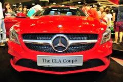 Le coupé de CLA de Mercedes-Benz sur l'affichage pendant le Singapour Motorshow 2016 Image stock