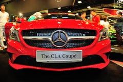Le coupé de CLA de Mercedes-Benz sur l'affichage pendant le Singapour Motorshow 2016 Image libre de droits