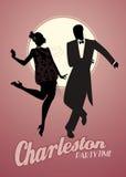 Le couple élégant silhouette porter 20 vêtements de style du ` s dansant Charleston Image stock