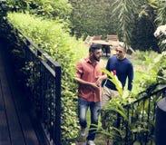 Le couple gai passe le temps ensemble Photo stock