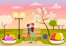 Le couple regarde des yeux aux yeux en parc près du réverbère Image libre de droits