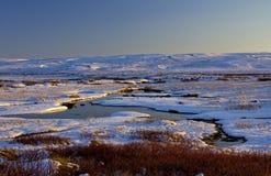 Le courant de Milou a accentué en égalisant la lumière du soleil, Langahlid, Islande Photos libres de droits