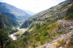 Le cours d'eau de la rivière de la montagne Image libre de droits