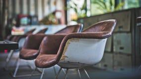 Le coussin confortable de vintage préside la photo image stock