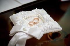 le coussin sonne le mariage Photographie stock