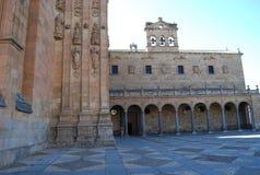 Le couvent de San Esteban arque l'entr?e principale photographie stock libre de droits