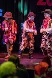 Le cowboy d'enfant danse sur une étape Image libre de droits