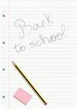 Le crayon et la gomme sur un carnet écrit ont rayé la feuille Photographie stock