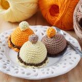 Le crochet coloré fait main joue des bonbons Photo stock