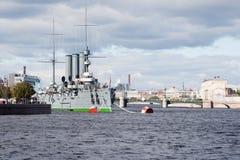 Le croiseur l'aurore sur le stationnement Image stock