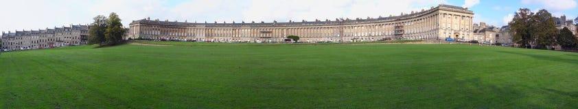 Le croissant royal, une rangée de 30 maisons en terrasse à Bath photographie stock libre de droits