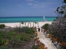 Le Cuba l'épousant extérieur Photo stock