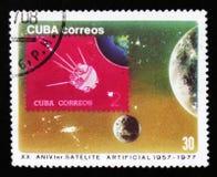 Le Cuba montre le satellite dans l'espace, le 20ème anniversaire d'années de la recherche spatiale, vers 1977 Photo stock