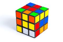 Le cube de Rubik sur le blanc Photo libre de droits