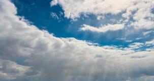 Le cumulus nuageux de laps de temps soul?ve le Time Lapse banque de vidéos