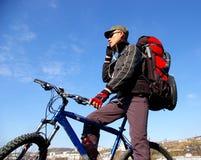Le cycliste. Photographie stock