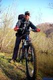 Le cycliste. Image libre de droits