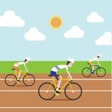 Le cycliste emballant dans le champ de courses Image libre de droits