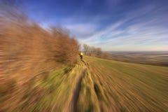 Le cycliste, mouvement a brouillé le fx Image libre de droits