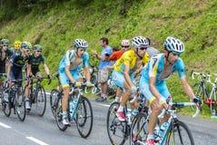 Le cycliste Vincenzo Nibali dans le débardeur jaune - Tour de France 20 Image stock