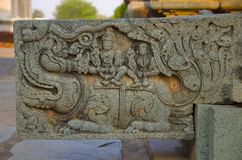 Le débouché découpé de l'eau au temple de Mahadeva, a été établi vers 1112 le CE par Mahadeva, Itagi, Karnataka Photographie stock libre de droits