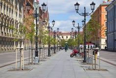 Le début de l'été sur la rue de Malaya Konyushennaya St Petersburg images stock