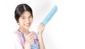 Le décapant asiatique de domestique de maison est prêt pour le travail Images libres de droits