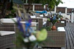 Le décor de mariage fleurit la violette bleue Photo stock