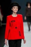 Le défilé de mode Pierre Cardin dans la semaine de mode de Moscou avec amour pour la Russie le 22 mars 2016 Photos libres de droits