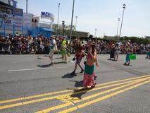 Le défilé 2013 de sirène de Coney Island 77 Image libre de droits