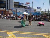 Le défilé 2013 de sirène de Coney Island 115 Photo libre de droits