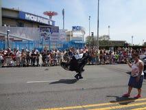 Le défilé 2013 de sirène de Coney Island 158 Images libres de droits