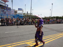 Le défilé 2013 de sirène de Coney Island 211 Photographie stock libre de droits