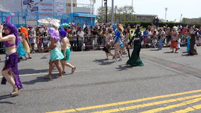 Le défilé 2013 de sirène de Coney Island 215 Images stock