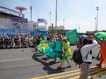Le défilé 2013 de sirène de Coney Island 230 Photo libre de droits