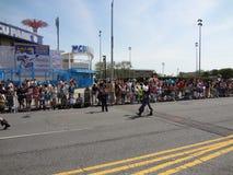 Le défilé 2013 de sirène de Coney Island 254 Photographie stock libre de droits