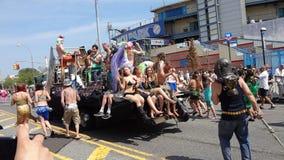 Le défilé 2013 de sirène de Coney Island 259 Photo libre de droits