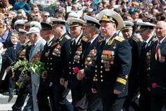 Le défilé du vétéran russe. 9 de mai. Photo libre de droits