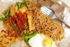 Le déjeuner emballé simple de l'ouvrier asiatique photo stock