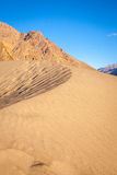 Le désert au milieu de l'Himalaya Images libres de droits