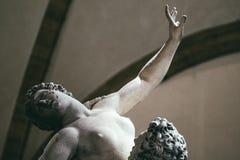 Le détail du viol du Sabines est une statue images libres de droits