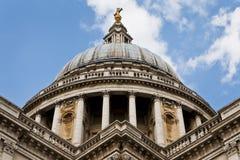 Le dôme de la cathédrale de rue Paul, Londres, Angleterre Image stock