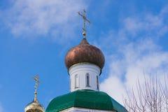 Le dôme de l'église orthodoxe Photos stock