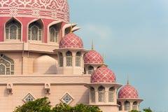 Le dôme de la mosquée de Putra Images libres de droits