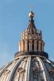 Le dôme de St Peter à Rome l'Italie details photo stock