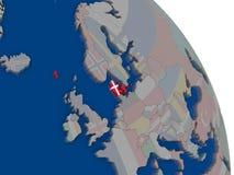 Le Danemark avec le drapeau sur le globe Image libre de droits