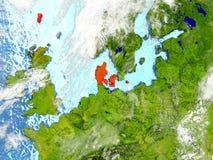 Le Danemark sur la carte avec des nuages Photo stock