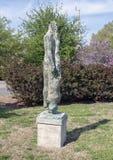 Le dans l'abstrait de sculpture sculptent le jardin du mus?e de l'art biblique ? Dallas, le Texas photo stock