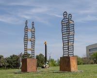 Le dans l'abstrait de sculpture sculptent le jardin du mus?e de l'art biblique ? Dallas, le Texas image stock