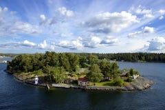 Île dans l'archipel de Stockholm Image stock
